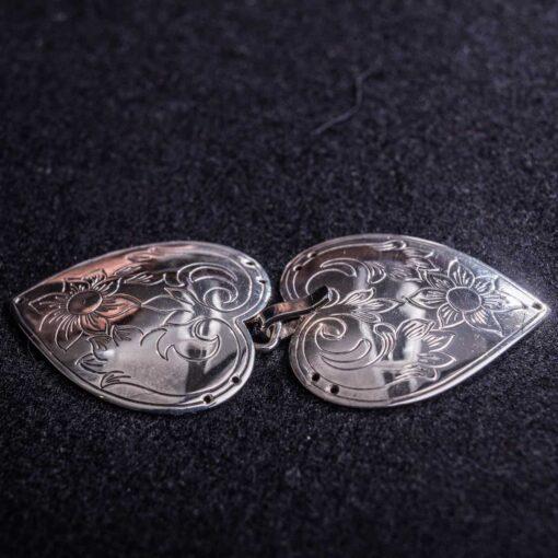 Gravert sølvspenne til Åmlibunad / Aust-Agder bunad