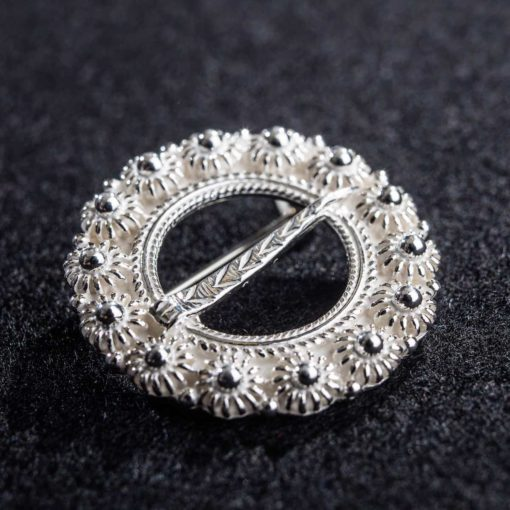 Støpt halsring i sølv til Åmlibunad / Aust-Agder bunad